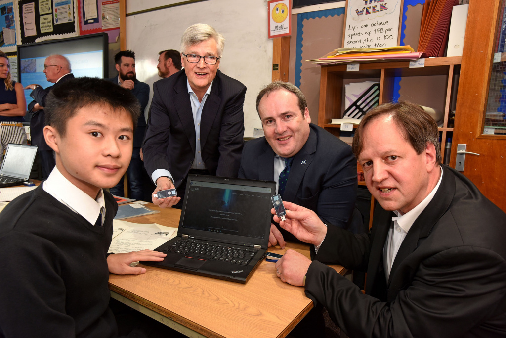 LiFi1Paul Wheelhouse(MSP) along with Alistair Banham and Harald Haas of pureLiFi and students at KyleAcademy